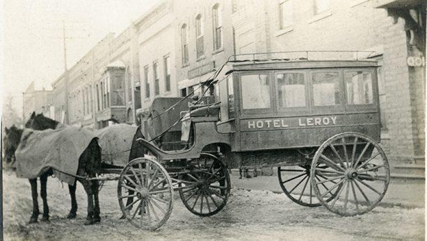 Hotel Leroy Taxi