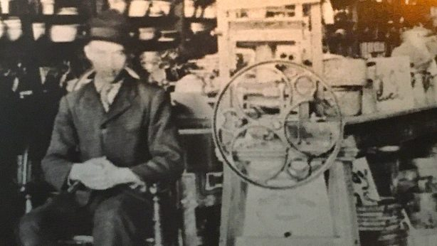 1908 Barlow & Seelig's washing machine innovation known as 'White Cloud'- a forerunner which grew to become the 'Speed Queen' company, Ripon's largest business and global business still in operation today.