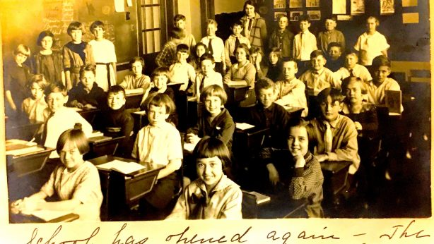 Central Grade School, Fourth Grade Class, Teacher Miss Heffernan.